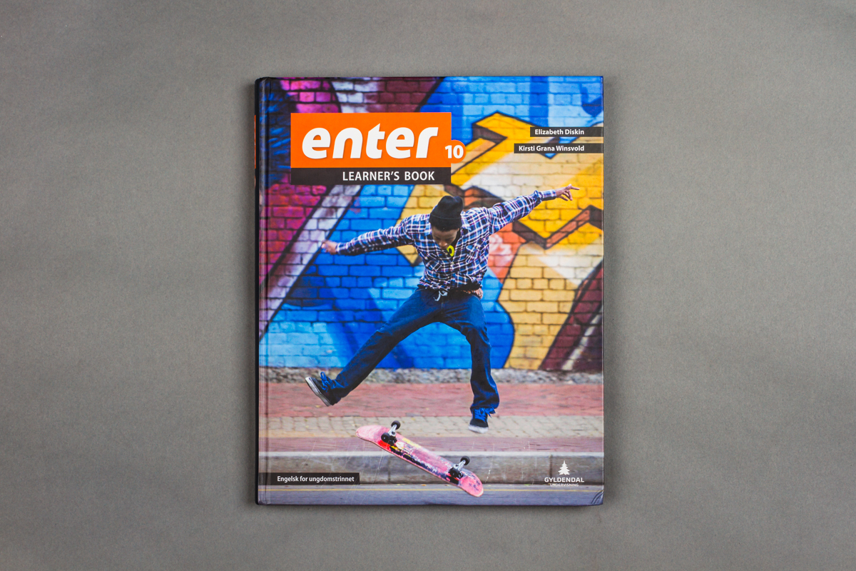 Forsiden til en engelskbok for ungdomstrinnet. 10.klasse. Foto.