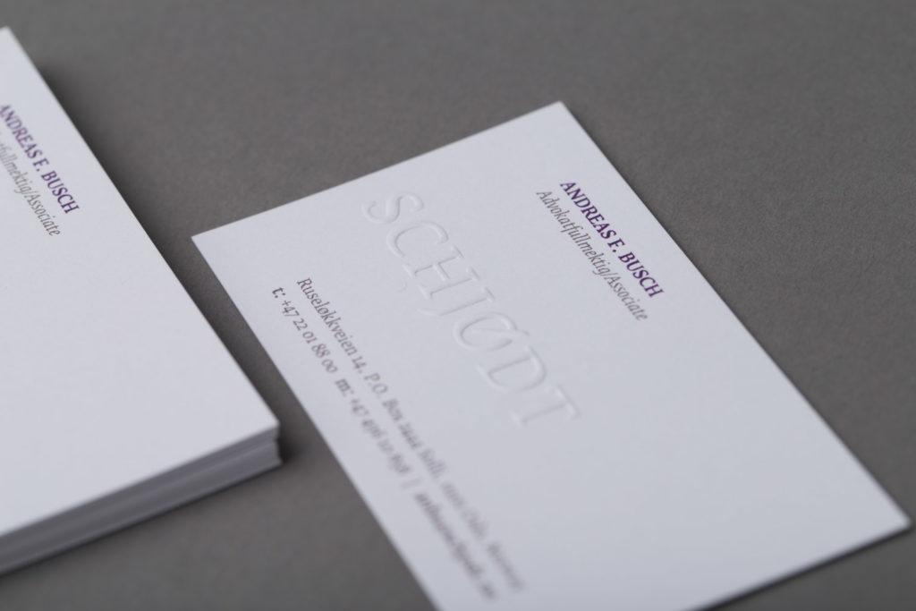 Visittkort med blindpreg – Schjødt